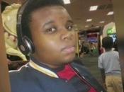 Primeras imágenes asesinato Ferguson joven negro Michael Brown video]