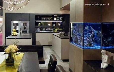 Modelo de cocina integral moderna con acuario paperblog for Cocinas integrales modernas de lujo