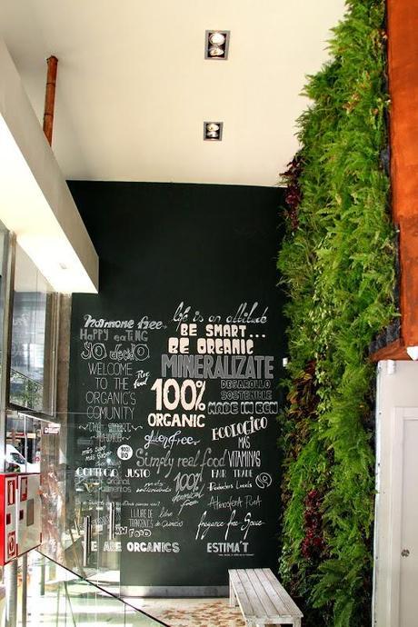 Jard n vertical en barcelona restaurante organics for Bar jardin barcelona
