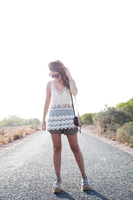 Festival_Outfit-Crochet_Top-Summer-Outfit-Collage_Vintage-13