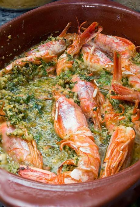 Langostinos al horno con salsa verde de cava y avellanas for Langostinos al horno