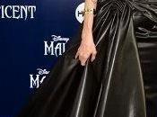 ¿Quién diseñó vestido novia Angelina Jolie?