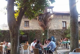 Comer en santillana del mar el jard n del marqu s paperblog for Posada el jardin santillana del mar
