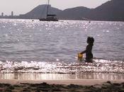 Allá playa quedó niña
