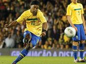Ronaldinho futbol mexicano, nuevo jugador gallos