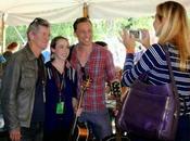 Hiddleston sorprende asistentes Wheatland Music Festival