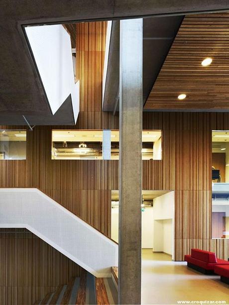 AMS-123-Amsterdam University College-8
