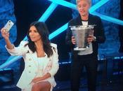 Kardashian suma Bucket Challenge