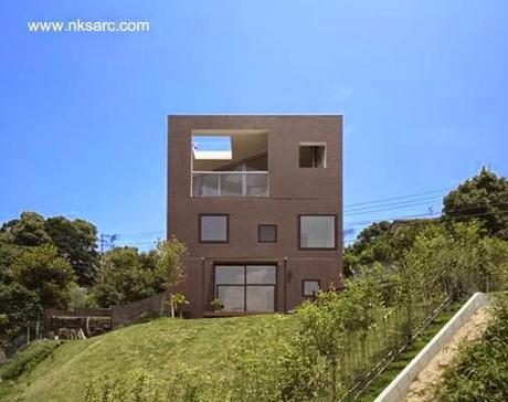 Casa doble c bica japonesa minimalista en faldeo de for Casa moderna japonesa