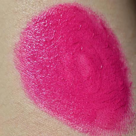 Ultra Colour Bold Lipsticks de AVON: Coral Burst,Fearless Fuchsia,Hi - Def Plum,Magenta Flash y Red Extreme,