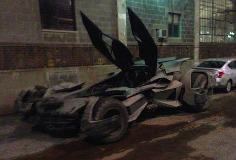 El Batmobile En Acción En El Set De Batman V Superman: Dawn of Justice