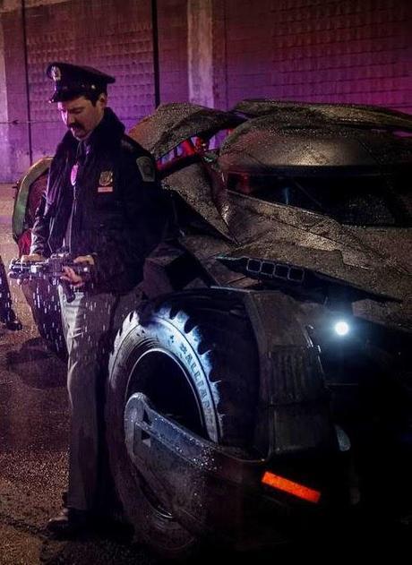 Humor: Se Robó El Batmobile, Zack Snyder Lo Recupera