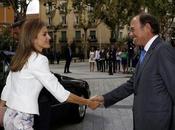 reina Letizia cumple años vestida Hugo Boss