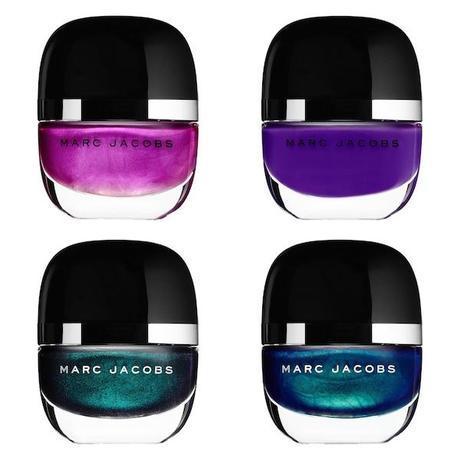 Laca de uñas brillante con acabado plastificado y efecto mojado. Lo hay en 24 colores y te costará elegir (19,90€).