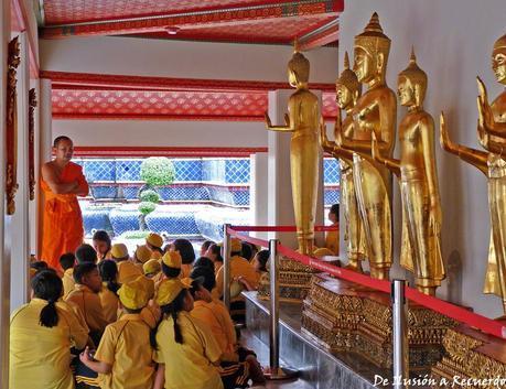Clase con monje Bangkok