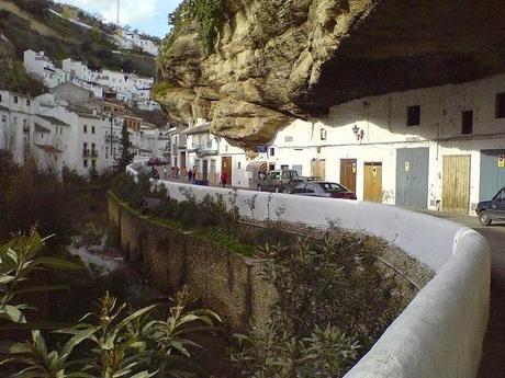 Setenil de las Bodegas, el pueblo bajo la roca