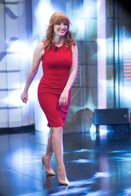 Jessica Chastain, mujer de rojo de Dolce&Gabbana para su aparición el El Hormiguero.