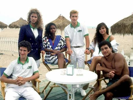 Saved by the Bell promo -  Hawaiian Style - 1992 - Elizabeth Berkley as Jessica 'Jessie' Myrtle Spano , Lark Voorhies as Lisa Turtle , Mark-Paul Gosselaar as Zachary 'Zack' Morris , Tiffani Amber Thiessen as Kelly Kapowski  , Dustin Diamond as Samuel 'Screech' Powers  , Mario Lopez as Albert Clifford 'A.C.' Slater