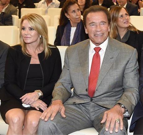Arnold Schwarzenegger Medalla Embajador Madrid Destino