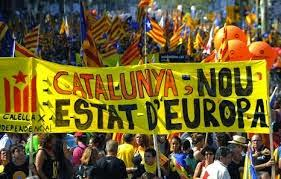 LA ESPAÑA FALDICORTA: EL MEGALÓMANO ARTUR MAS SACRIFICA CATALUÑA Y AGITA ESPAÑA POR UNA  INDEPENDENCIA INSENSATA E IMPOSIBLE