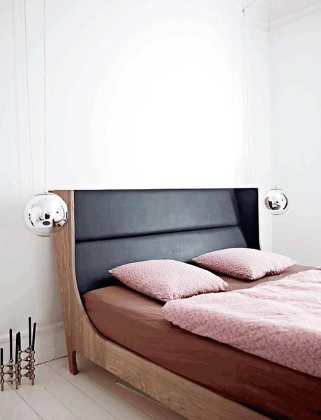 En Dinamarca: Suelos negros, paredes blancas y magníficas piezas de mobiliario