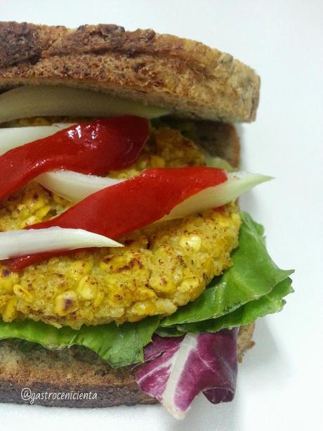 Sandwich de Escalopines de Lentejas Rojas y Mijo al Curry