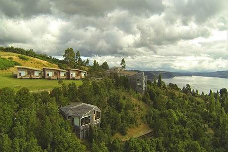 Hotel Rustico y Moderno en Chiloe  /  Rustic and Modern Hotel in Chiloe