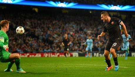 Totti rescata un empate ante un City