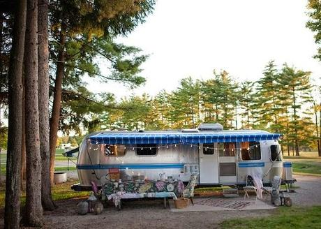 La transformación de una caravana Airstream en un sueño bohemio y chic