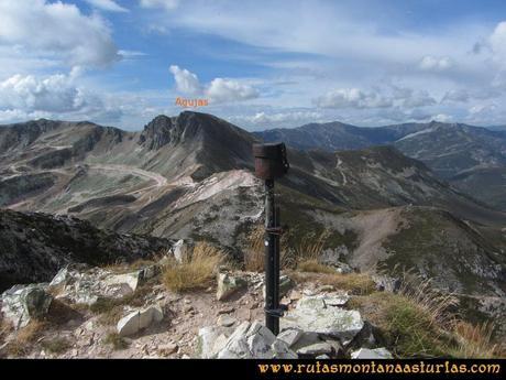 Ruta Agujas y Toneo: Vista del pico Agujas desde el Toneo