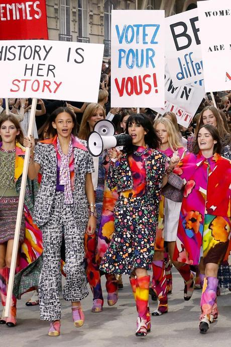 Las protestas de Karl - Chanel Spring15