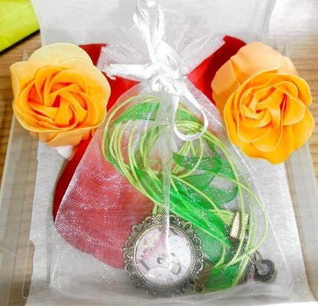 artesania, bisuteria, artesanal, conjunto infantil, collar, camafeo, pedientes, caprichitos, cumpleaños, regalo, complementos, accesorios, joyas,