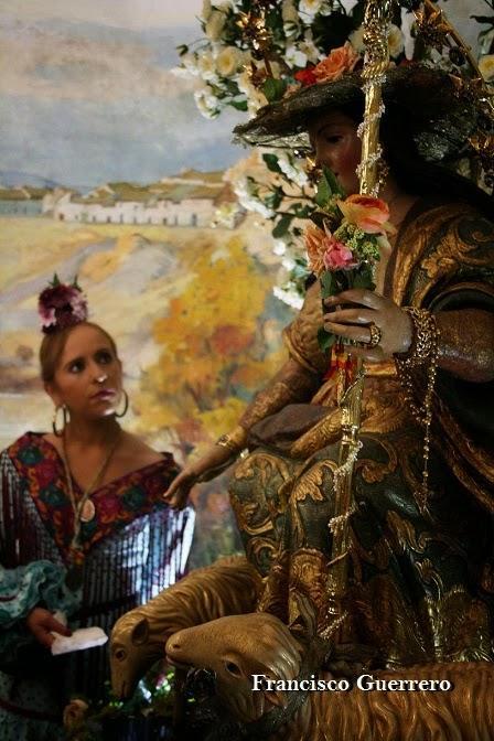 Galería de fotos del Besamanos de la Divina Pastora (Fco. Guerrero)