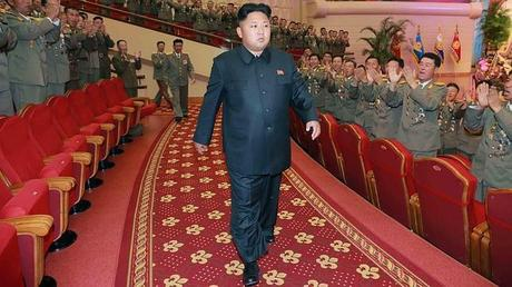 Kim Jong-un se ha fracturado los tobillos, al parecer, a causa de su sobrepeso