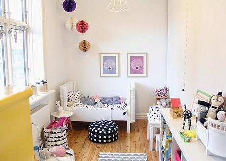 Deco peques un dormitorio de ni a de estilo n rdico - Dormitorios estilo nordico ...