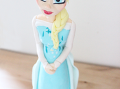 Figura Frozen fondant cake topper