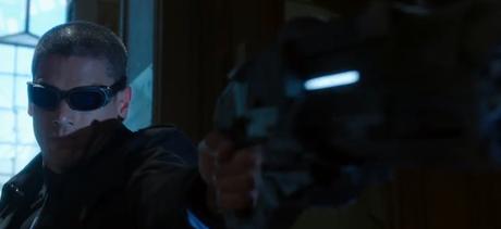Video: Pequeño Vistazo De Captain Cold En The Flash