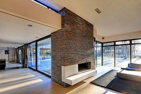 Casa moderna y minimalista en holanda modern and minimal for Baguio villa interior design
