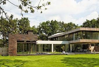 Casa moderna y minimalista en holanda modern and minimal for Casa holandesa moderna