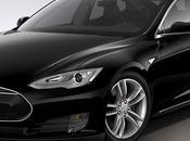 Elon Musk introduce Tesla piloto automático, motor dual tracción ruedas