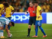 Neymar gana partida Messi
