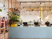 Mezcla materiales, texturas colores diseño interior este restaurante