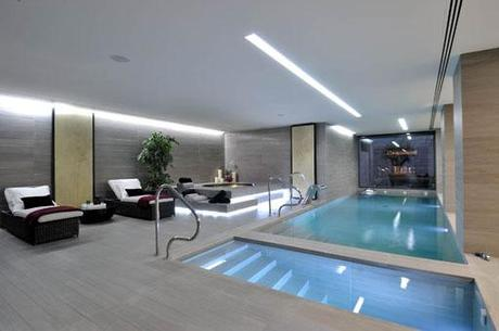 Selecci n de piscinas interiores en viviendas a cero for Casas con piscina dentro