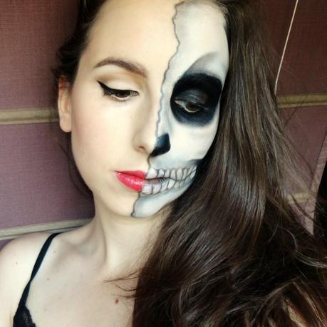Paso a paso maquillaje para halloween paperblog for Pinturas de cara para halloween