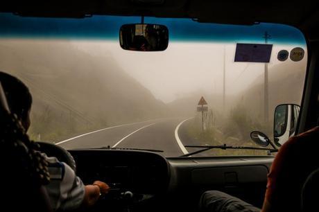 Niebla en los pasos altos de Vietnam