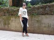Pantalón chandal negro camiseta Peio Durán para televisión