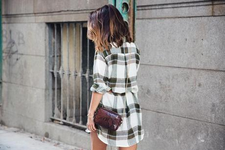 Plaid_Dress-Snake_Bag-Isabel_Marant_Boots-Outfit-Street_Style-33