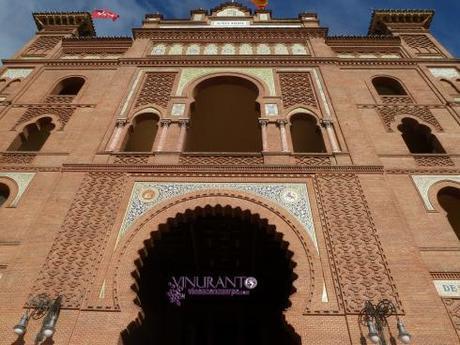 Hermosa fachada de la plaza.