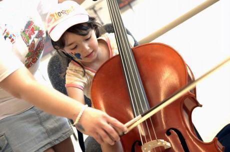 La musicoterapia podría reducir la depresión en niños y adolescentes