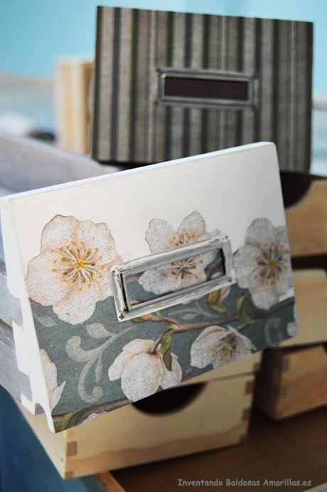 Inventando el finde decorar con papel muebles de madera for Decorar muebles de madera